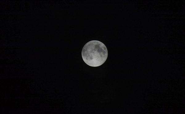 moon-65376_1280